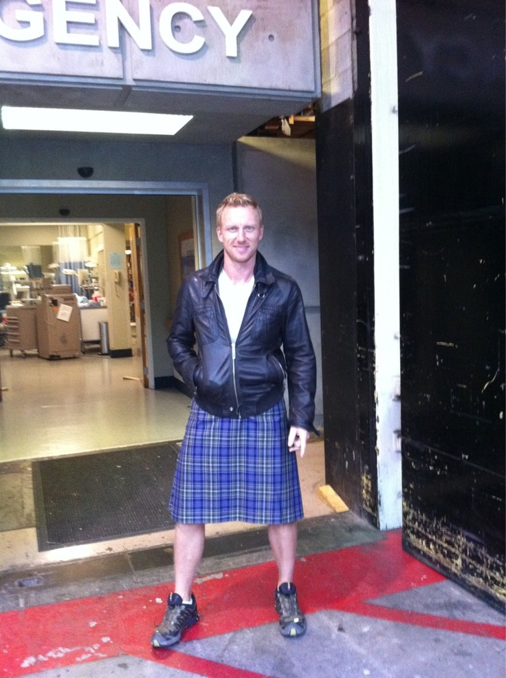 Kevin McKidd.. And I thought he was sexy before?! Omg the kilt.. yum