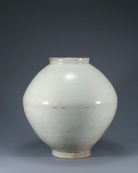 joseon 18th c. moon jar