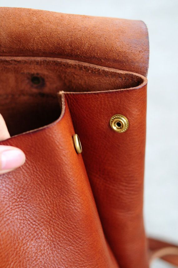 Hand Stitched Large Leather Backpack van ArtemisLeatherware op Etsy
