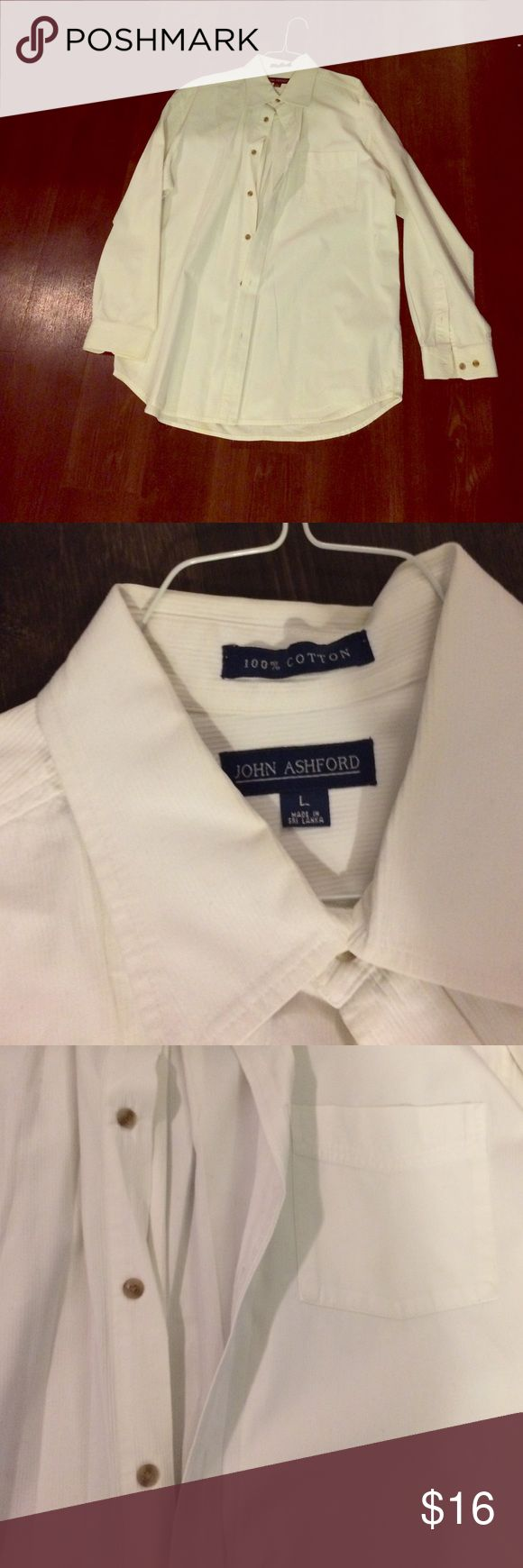 Men's large John Ashford dress shirt in white This is a crisp, quality white John Ashcroft brand dress shirt. Like new quality, no stains or flaws. Has been professionally cleaned and starched. Great buy. 👨🏽 John Ashford Shirts Dress Shirts