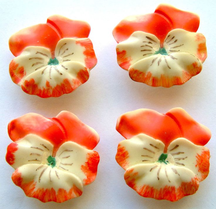 4 Vintage Cream & Coral Celluloid Buttons, Realistic Pansies