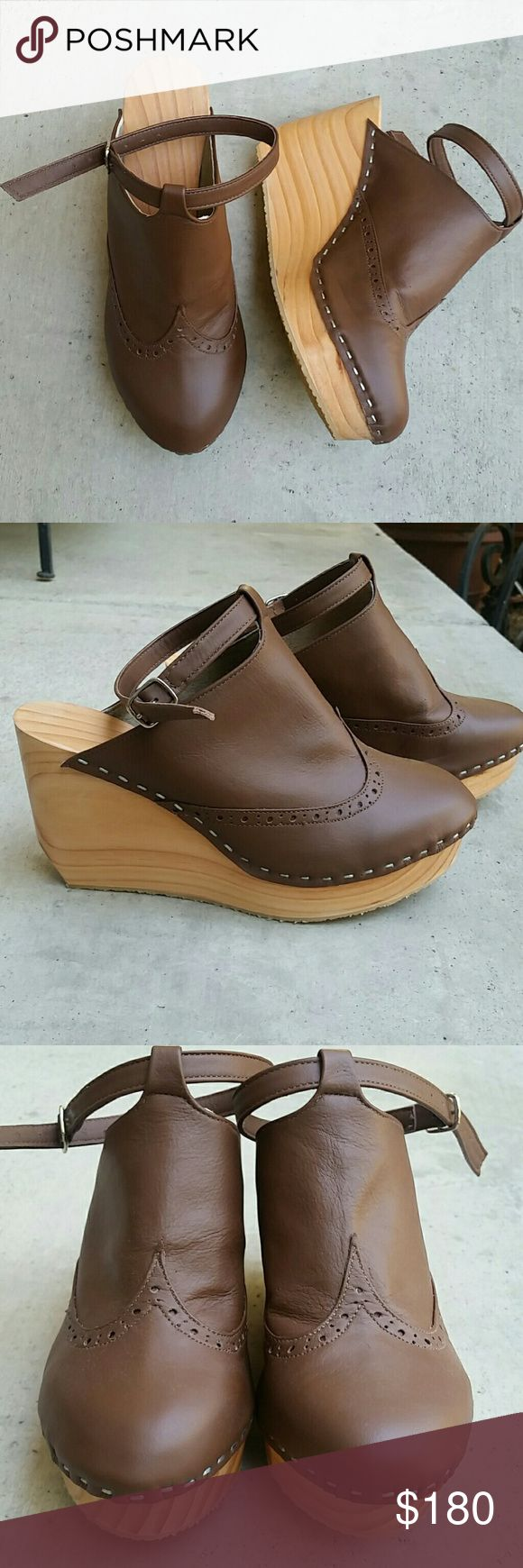 Wood wedge platform clog leather NEW! Closed toe Boutique