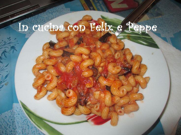 Cavatappi pomodoro e melanzane  http://felixmakeuptutordelbenessere.blogspot.it/