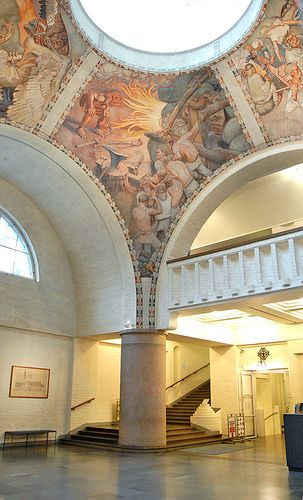 Le hall du musée national de Finlande (Helsinki) Finland. There are pictures from Kalevala in the roof.