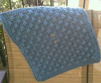 string with style carseat blanket | Tw-In Stitches: Easy Car Seat Blanket Pattern