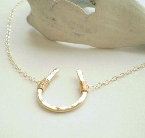 wish me luck ~ horseshoe necklace
