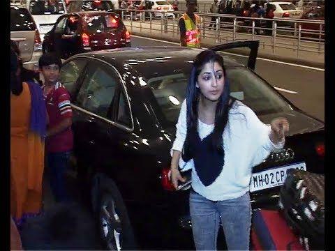 Yami Gautam at Mumbai Airport leaving for IIFA Awards 2014.