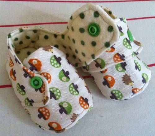 Baby shoes! Found on craftster, pattern from http://ithinksew.com/ProductDetails.aspx?pgProductID_int=51,