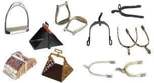 Distintos tipos de cazoletes y espuelas adaptados para las silla que se vaya a utilizar.80€. Contacto:665862350