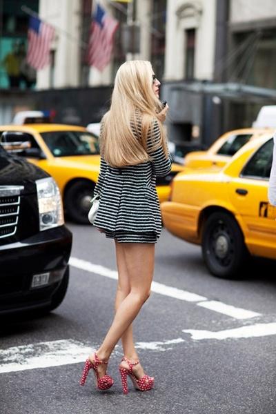 The Fashionable Navigator Minis, Fashion Shoes, Polka Dots, Fashion Models, Street Style, Girls Fashion, Miu Miu, Thick Hair, Girls Shoes