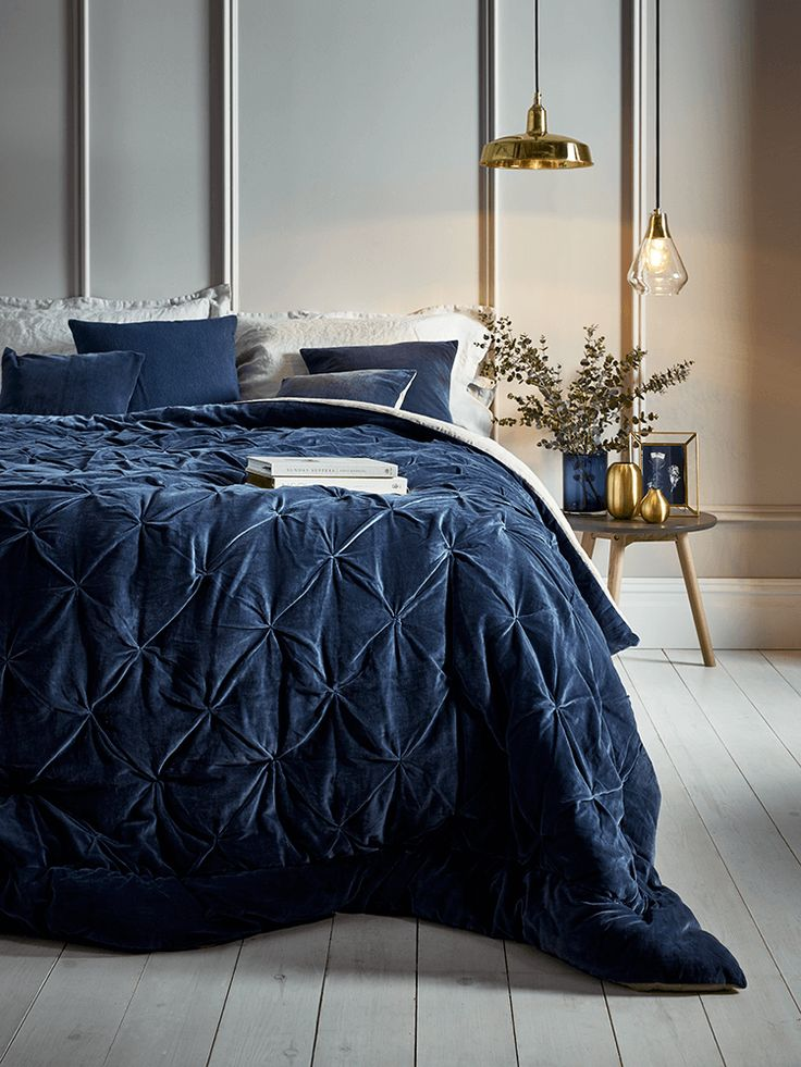 Crafted from pure cotton velvet and luxurious natural linen with a vintage, pin tucked design, our hand tufted single and king-size quilts in rich blue will add a touch of luxury to your bedroom. Each quilt comes presented in a high quality fabric-backed zip bag with handle, making it a great gift and easy to store away when not in use.