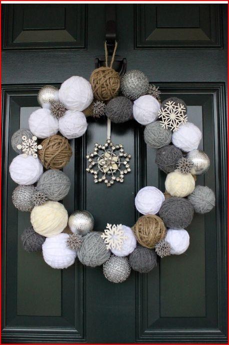 Cool wreath idea.