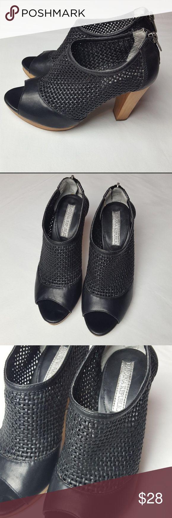 Banana Republic Black Weft Wooden Heel Sandals Gen…