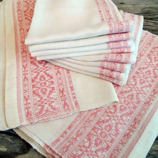 Pink Table Linen Set