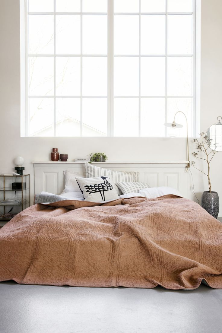 This season, the bedroom takes on cosy colour combos to set a relaxing atmosphere.