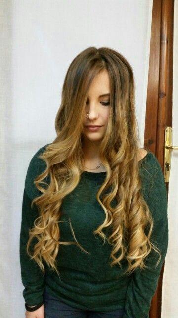 Degradè Joelle #degradèjoelle #sassari #operaparrucchieri #capellibelli #capellilunghi #hair #viaroma3 #sfumature #perfettopertutti #naturalezza #elegante #fashion #capellisani #modellabella #sardegna #gradazioni #glamour #capelli