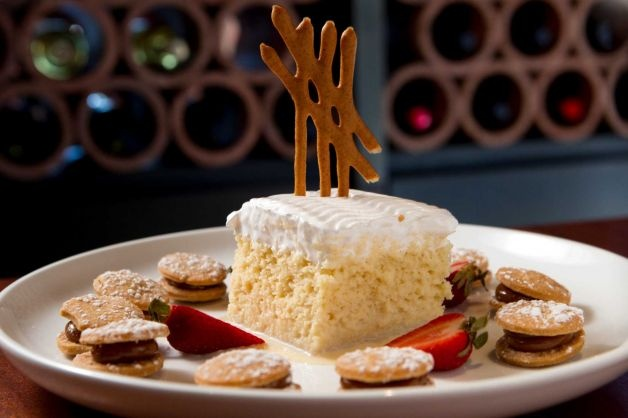 (Houston TX) Churrasco's: order the alfajores for dessert (traditional confection found in some regions of Spain and parts of Latin America, miniature melt-in-your-mouth dulce de leche biscuit sandwiches)