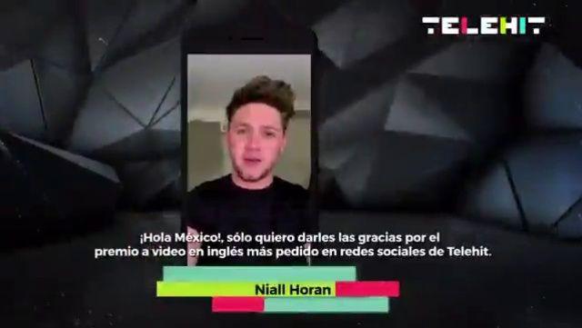 "nhupdates: """"Niall won the ""Video en inglés más pedido en redes sociales"" award at the 2017 Premios Telehit 🎉🎉🎊 08/11/17 "" """