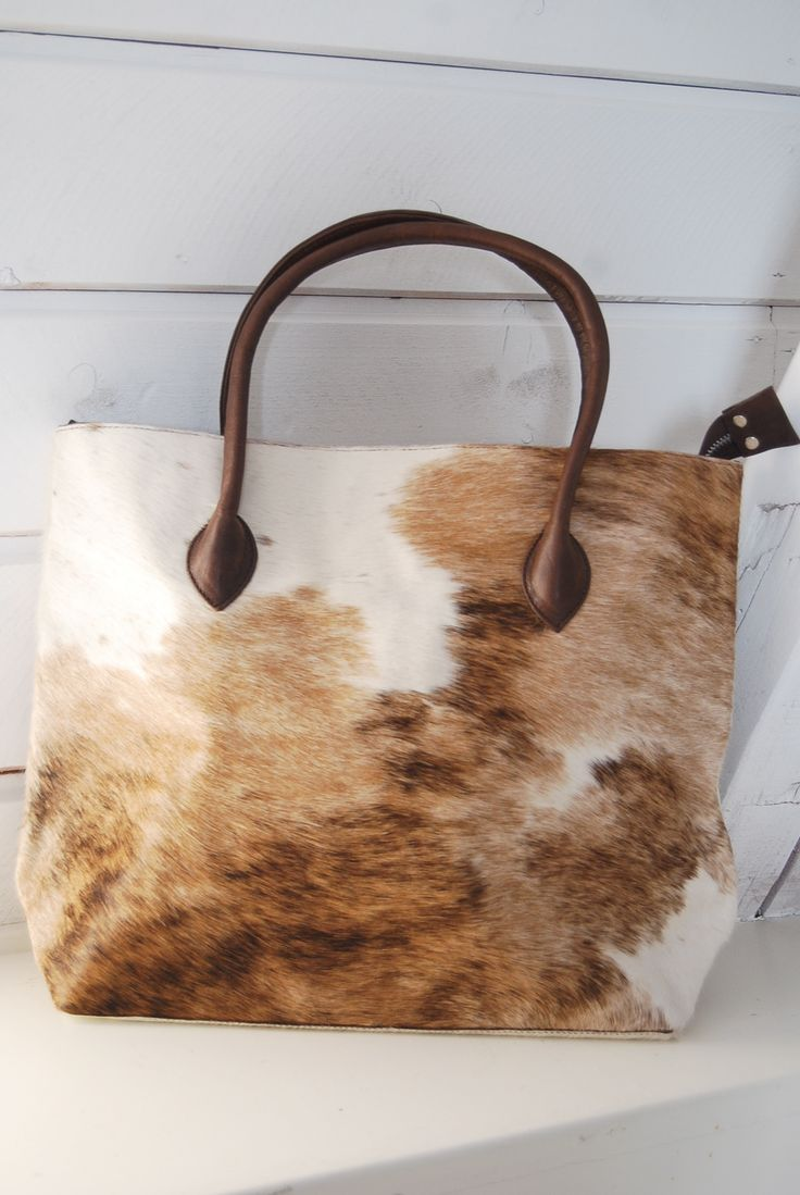 A #Cowhide Purse! What a fantastic idea! =)