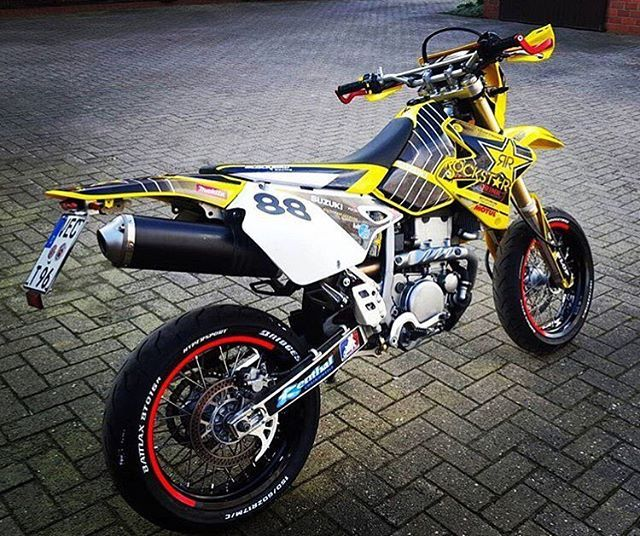hot drz 400 sm pic from kxc official cross bikes. Black Bedroom Furniture Sets. Home Design Ideas
