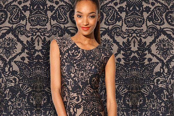 Slim fit shift dress with breathtaking pattern