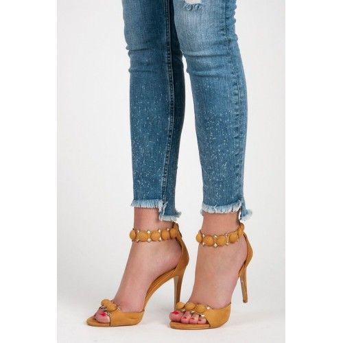 Dámské sandály Seastar Mystana žluté – žlutá Více ženské sandály nemůžete ani najít. Dámské sandály se zdobením a v krásné barvě se výborně hodí především na večírky. Sandály s vysokým jehlovým podpatkem jsou vhodné především …