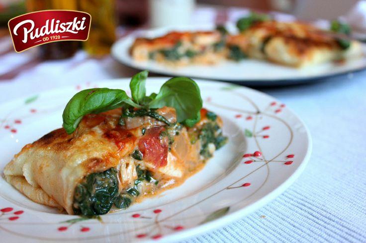Naleśniki z kurczakiem oraz szpinakiem w sosie arrabbiata. #kurczak #sos #szpinak #obiad #pudliszki #przepis