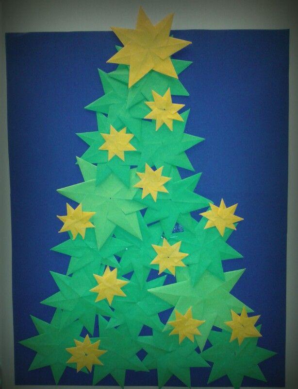 * Kerstboom van gevouwen sterren...