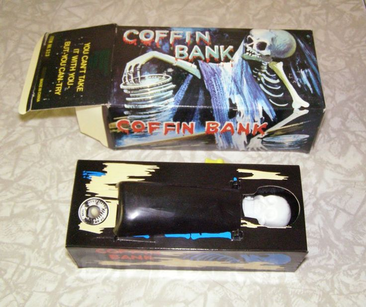 Coffin Bank Novelty Store Item 1980s New Works skeleton Everlast Mechanical Wind #coffinbank #banks #collectibles #Halloween #novelties #collectables #skeleton