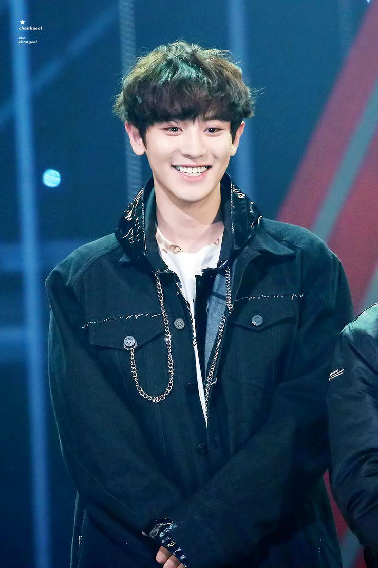 Chanyeol - 161116 2016 Asia Artist Awards Credit: 찬별. || su sonrisa enamora <3