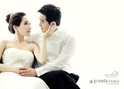 Korean Artist's Pre-Wedding Shoot