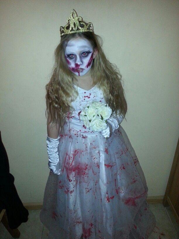 Jersey..my sweet little horrorbride #facepaint #scarwax