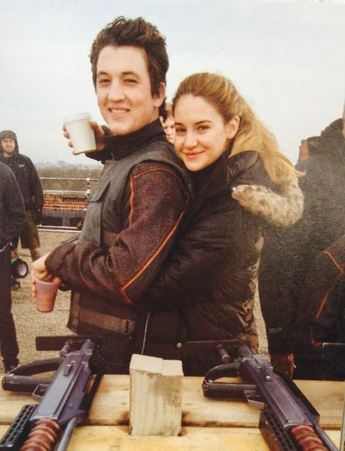 Shailene Woodley and Miles Teller on set of Divergent