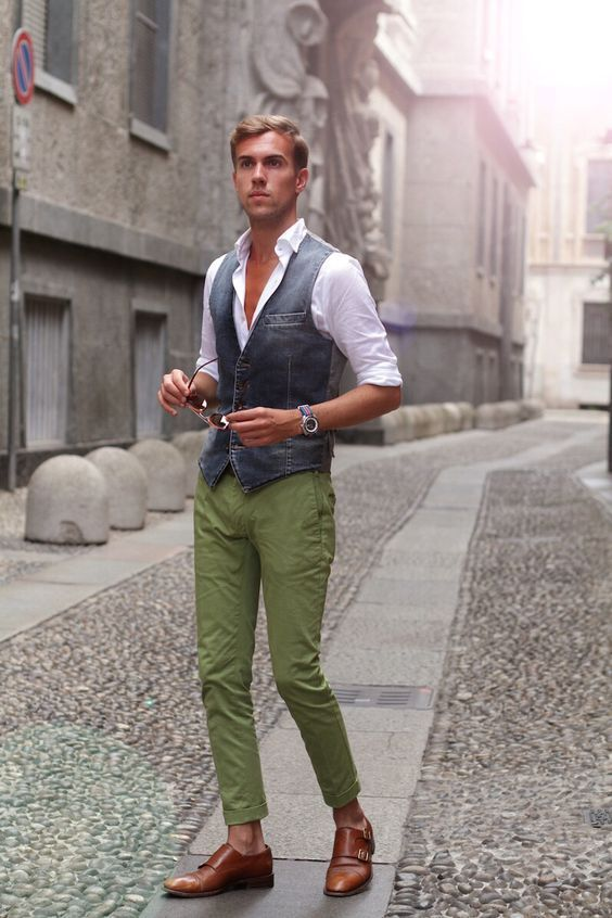 What a stunning combination of Grey Shaded Waistcoat and Olive Chinos