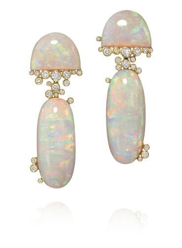 Earrings Amsterdam Sauer: yellow gold, diamonds and opals.