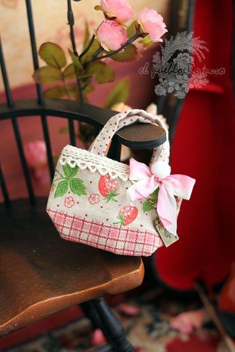 [Town] Rosemary casual linen bag Tianyuan Sen BJD cute strawberry girl cotton bags - Taobao
