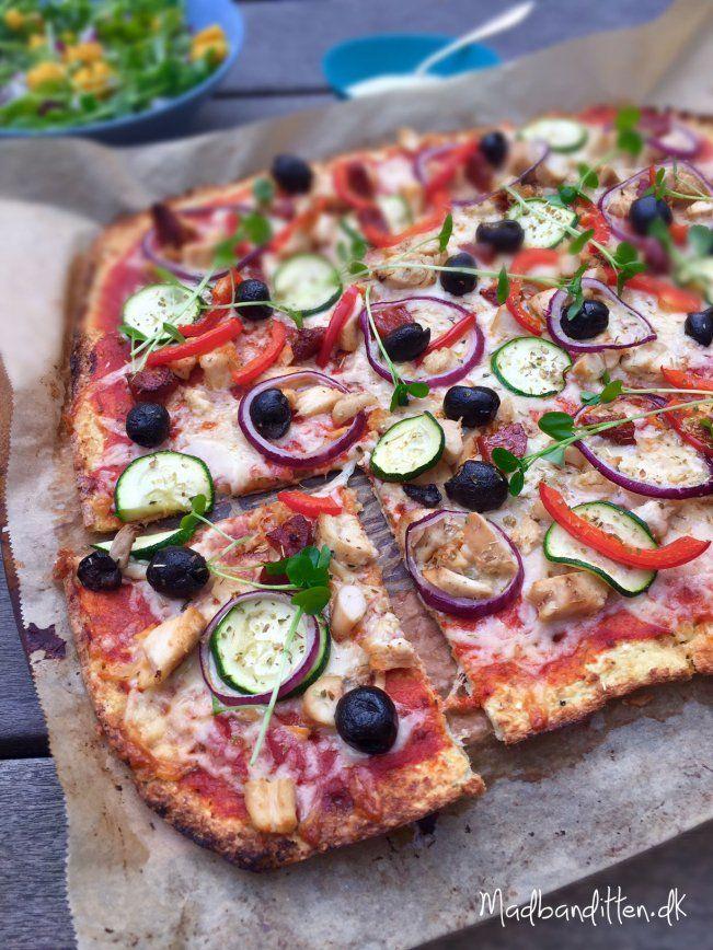 Blomkålspizza med kylling og grønt --> madbanditten.dk
