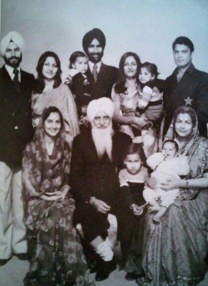 Charan Singh Ji Maharaj & his family