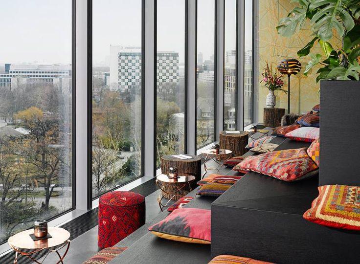 MONKEY BAR - AWESOME BERLIN
