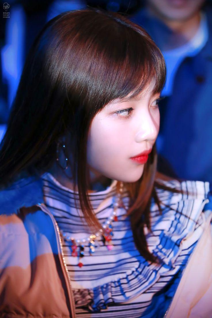 red velvet joy seoul fashion week 2016 레드벨벳 조이