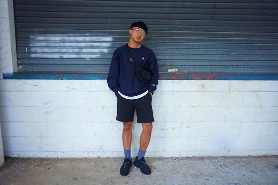 Get this look: http://lb.nu/look/8237323  More looks by Dan Pantoja: http://lb.nu/danpantoja  Items in this look:  Topman Black Short Cuffed Beanie, Champion Reverse Weave Crewneck, Asos Black Bumbag, H&M Black Smart Shorts, Nike Triple Black Air Max 95   #classic #minimal #street