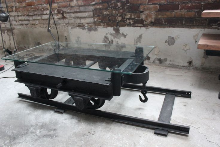 Table Basse Avec Bobine De Cable ~ Table Basse Metal Industrielle Wagon De Mine Sur Rail Plateau De Verre