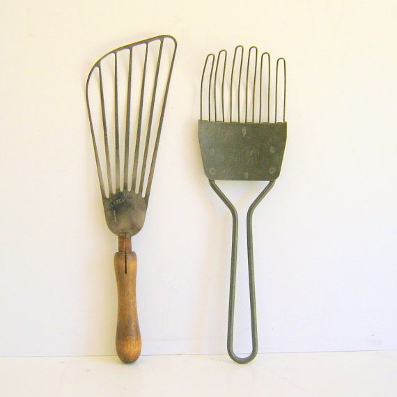 Vintage Kitchen Utensils By RollingHillsVintage On Etsy, $22.00 I Love Old  Kitchen Tools Want These