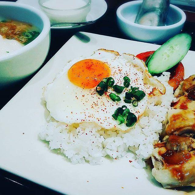 7/18(火)_遅ランチ #予行練習#笑 #ベトナム#フォー#チキン#丸ビル#東京#foodie #foodstagram #foodpics #ランチ#肉#yummy #happy #love #instagram #instagood #インスタグラム #followme #楽しみ