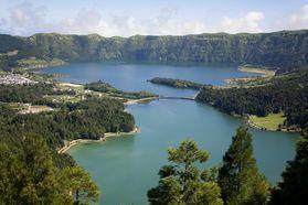 Azoren Reisen -Urlaub im Inselparadies im Atlantik. Rundreisen auf Inseln vulkanischen Ursprungs geprägt von einer grandiosen Flora und Fauna.