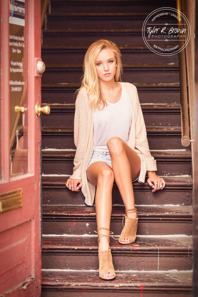 Girl pose, sitting on steps. Maddie Stowers - Senior Photography - Senior Girl Poses - Urban Poses - Senior Photos - Dallas, Texas - Senior Pictures - Fricso High School - Senior Summer - Class of 2017 - Downtown McKinney - Tyler R. Brown Photography
