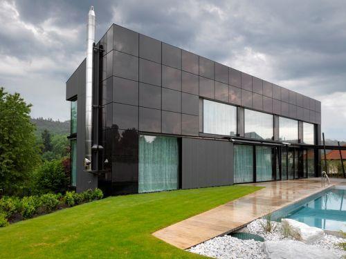 Nebušická vila má fasádní elektrárnu, která vyniká působivým designem « Smart Houses | Solarní panely, Design, Architektura, Technologie