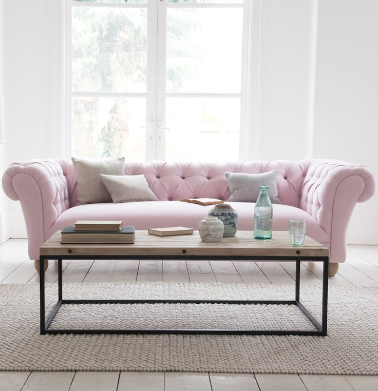 Loaf's deep-buttoned Young Bean chesterfield sofa in a pastel pink Pale Rose vintage linen in this comfy white-walled living room