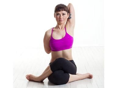 5 Yoga moves to adjust bad posture. Because pregnancy destroys your posture. It just does.