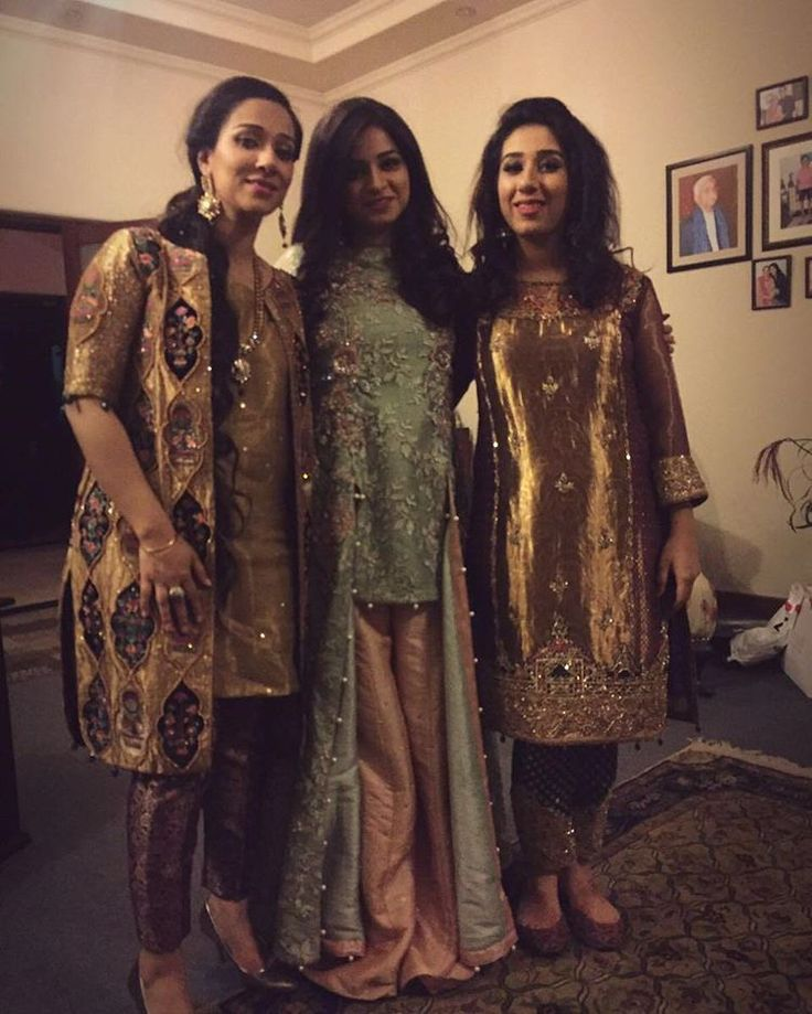 Three lovely sisters chose to wear JEEM on their brother's wedding. We love the Trio....❤ #jeem #jeemfashion #couture #vogue #fashion #pakistanweddingstyle #formals #pestal #golds #jackets #weddingwear #easternwear #exquisitedetails